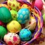 Как покрасить яйца на Пасху — список способов