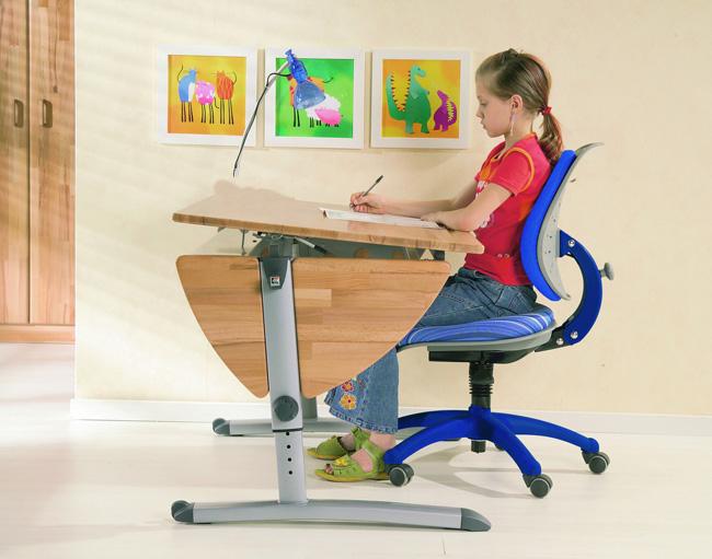 выбор стола для школьника