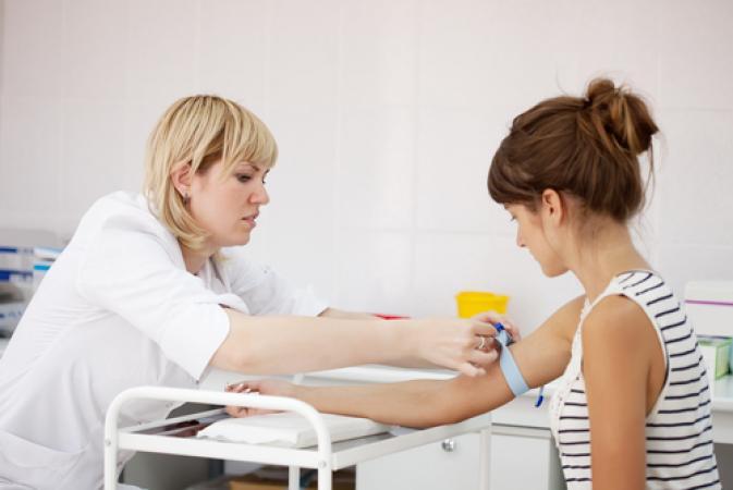 берут кровь во время беременности