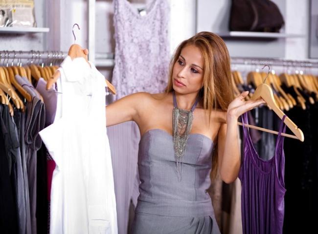 Спросите толкователя к чему снится Мерить одежду но не купить