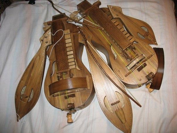 щипковые инструменты