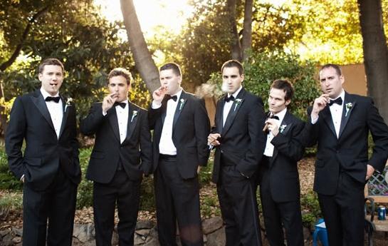 мужчины на свадьбе
