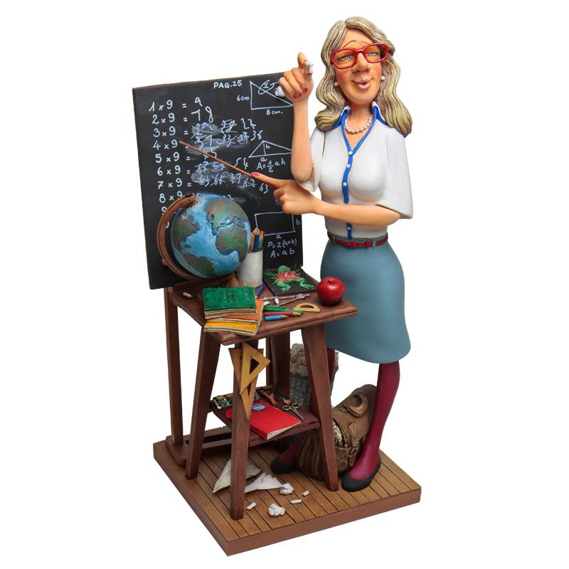статуэтка учитель